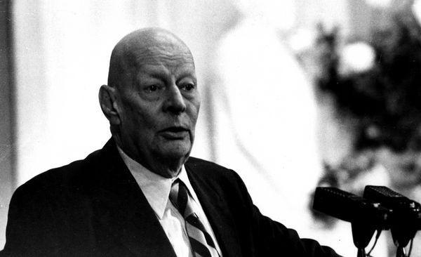С 1960 года Анатолий Александров занимал пост директора Института атомной энергии СССР. По его инициативе и при его участии были разработаны и построены первые атомные реакторы для ледоколов и подводных лодок<br>
