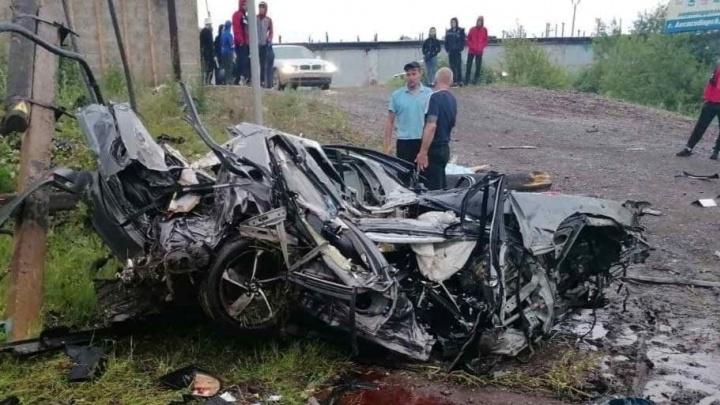 Налетели на столб: под Лесосибирском в смертельном ДТП погибли три молодых человека