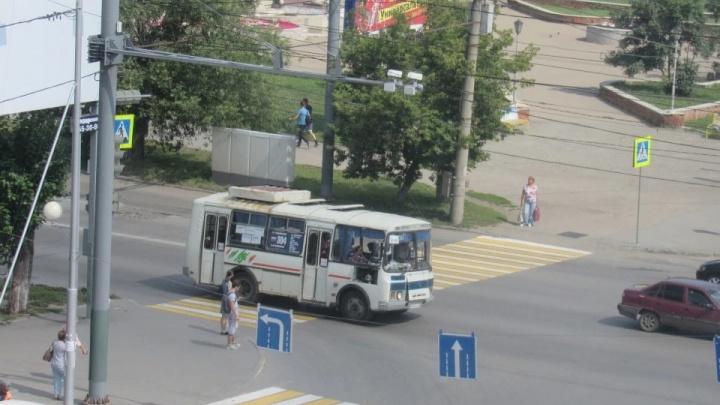 «Многие болеют ковидом»: в Кургане из-за нехватки водителей срывается автобусный рейс