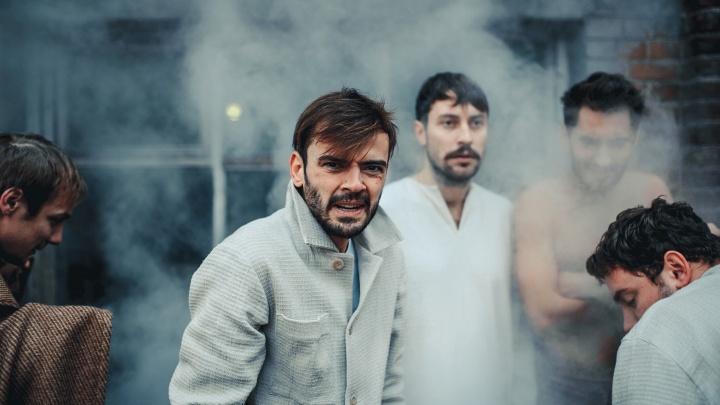 В Архангельск приедет известный актер Антон Лапенко. Спектакль с его участием покажут в драмтеатре