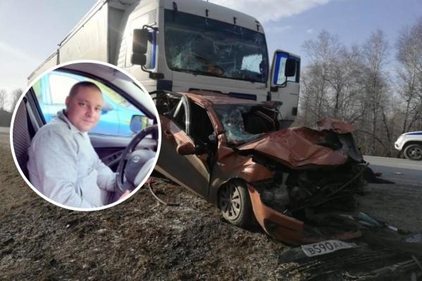 Погибший уже давно работал таксистом, а общий стаж вождения у него — 15 лет