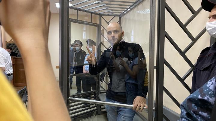 Экс-директора «Открытой России» Андрея Пивоварова отправили в СИЗО на два месяца
