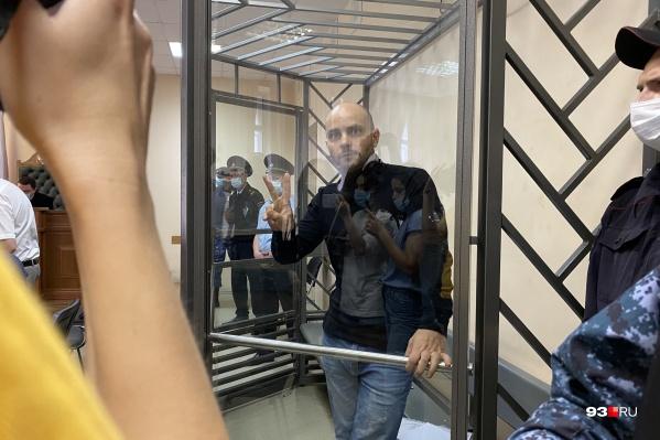 Суд не стал отправлять Андрея Пивоварова под домашний арест