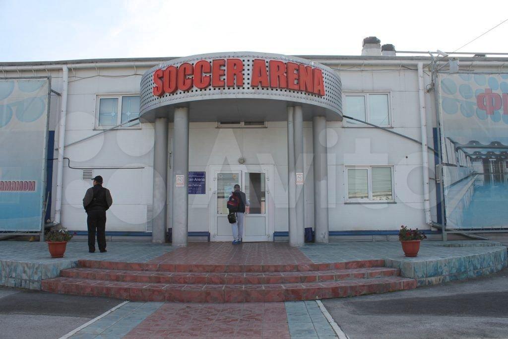 Здание продается вместе с парковкой на 100 машино-мест