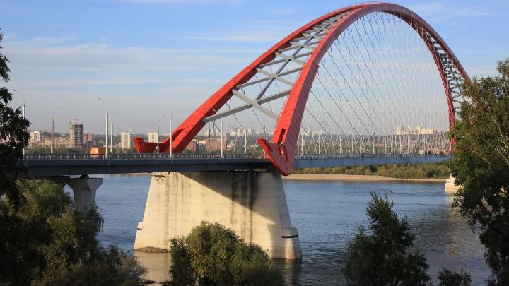 «Он загружен на 30–40%. И четвертый мост ждет участь хуже»: почему Бугринский мост не спас город от пробок
