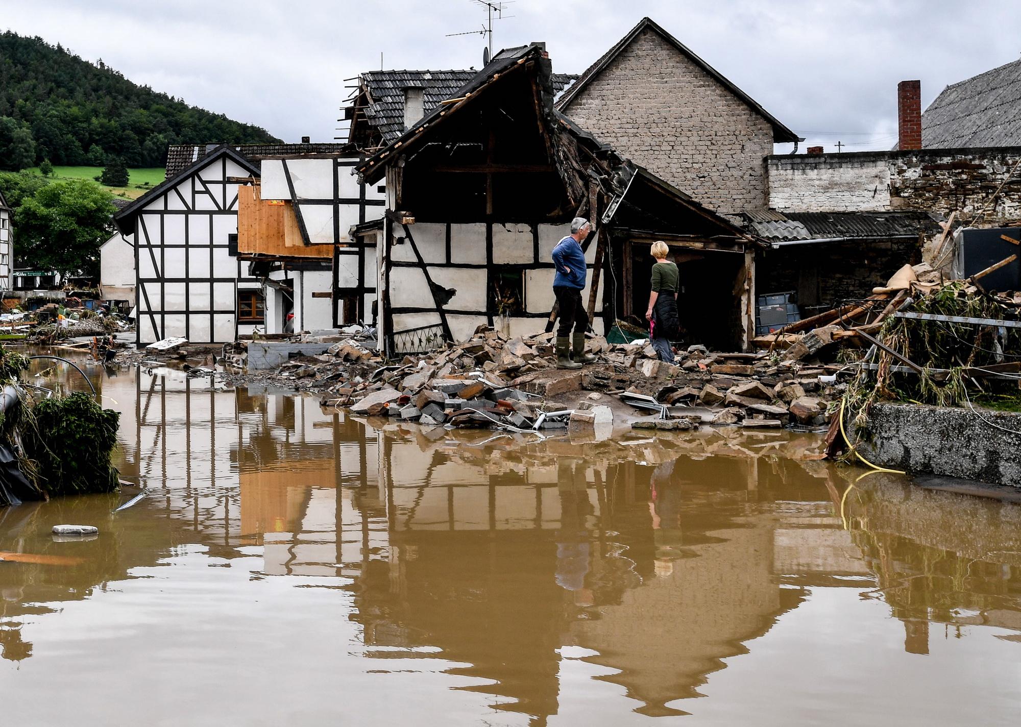 Последствия проливных дождей на западе Германии