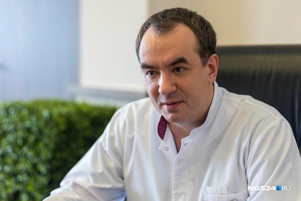 Руслан Зуков занимает должность главного онколога с марта