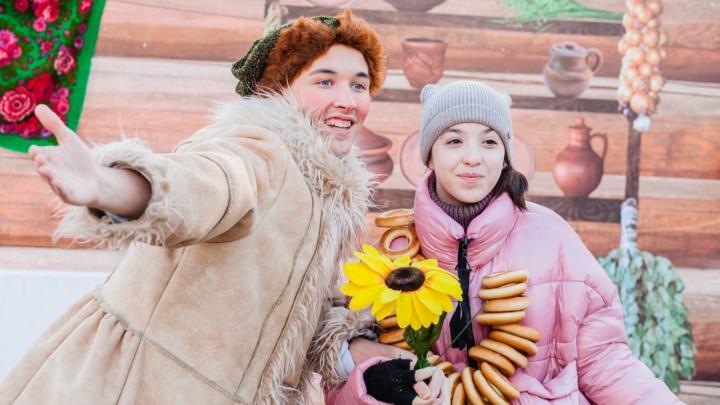 В Перми и Хохловке из-за коронавируса запретили сжигать чучело Масленицы. Рассказываем, как будут провожать зиму
