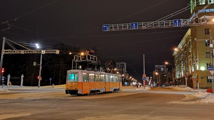 В мэрии Перми рассказали, как пойдут трамваи после открытия путей на Революции и перекрытия Уральской
