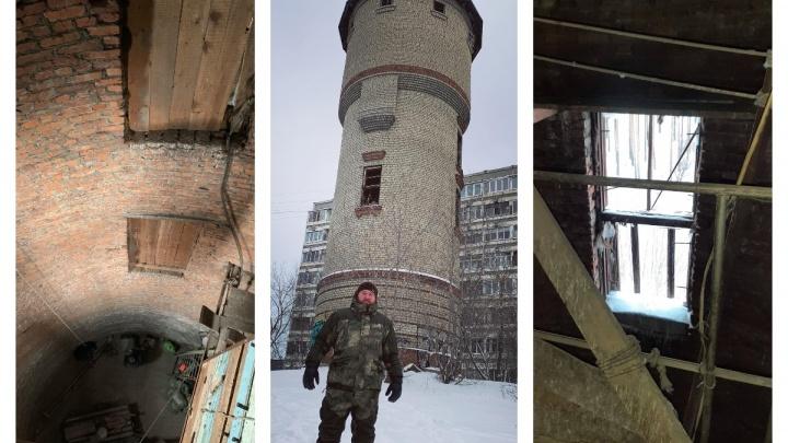 У старой башни на ЖБИ появился хранитель. Выясняем, что там будет после ремонта