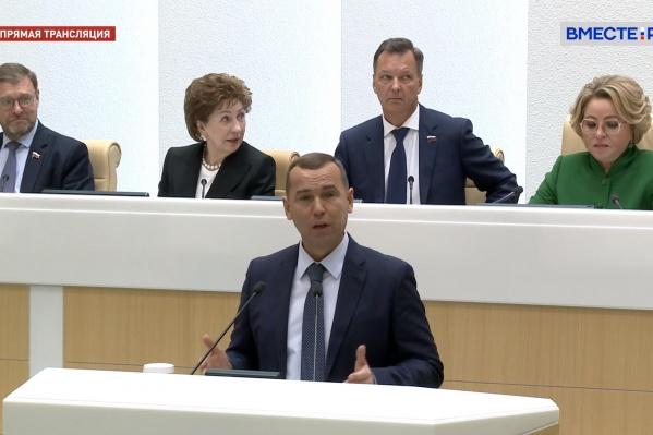 По словам Шумкова, зауральцы начинают гордиться регионом и перестают из него уезжать