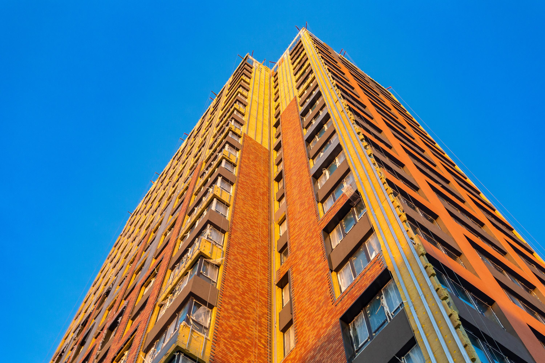Клинкер — это экологически чистый и устойчивый к климатическим изменениям материал. Он сохранит здание в первозданном виде на долгие годы
