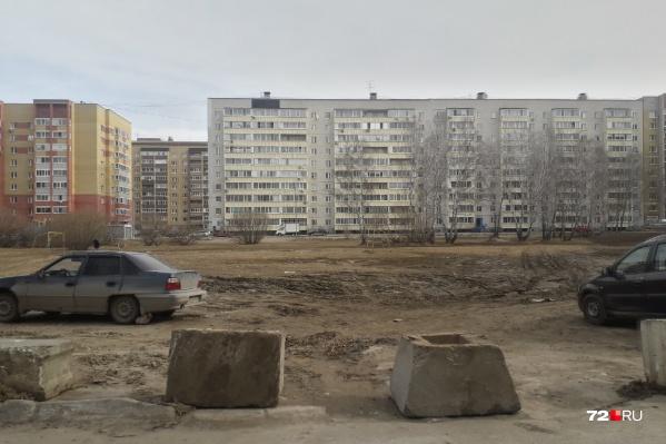 На территории Восточного административного округа — 15 скверов, из которых в числе неблагоустроенных — два, в том числе и сквер Рябиновый