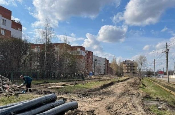 Сорванное благоустройство. Четыре подрядчика постараются отремонтировать сквер на Гордеевской до конца года