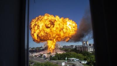 На газозаправке в Новосибирске прогремела серия взрывов: посмотрите жуткие видео