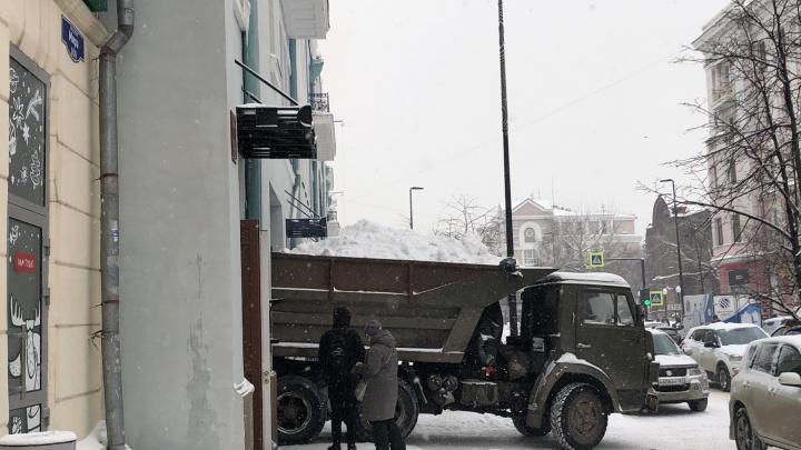 Сложно ли убирать снег в Красноярске? Ответ вас удивит