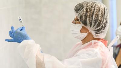 Занимайте очередь. В Свердловскую область привезли еще 26 тысяч доз вакцины от коронавируса