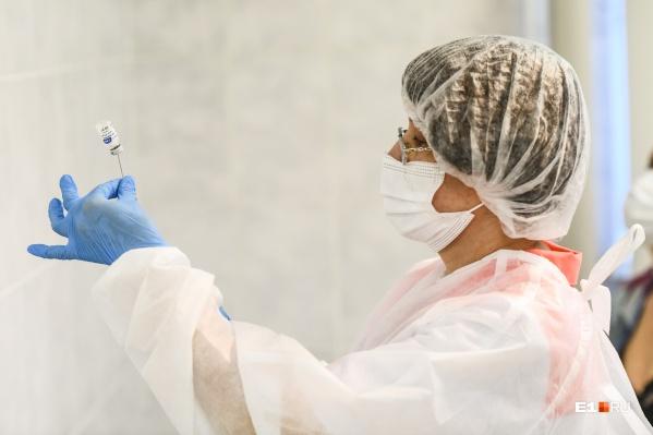 Привиться «Спутником Лайт» можно будет не только в больницах, но и в торговых центрах