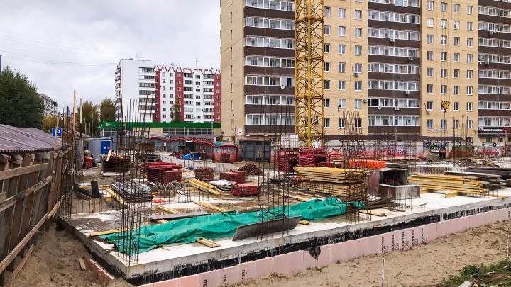 Дом на Горького, 86, против которого выступали и соседи, и чиновники, продолжат строить