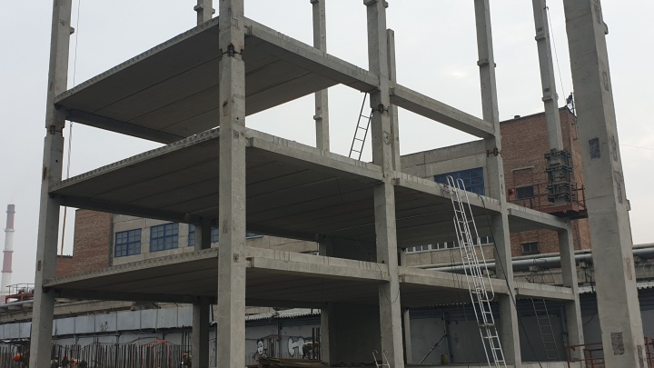 У бизнес-центра «Баланс» строят два огромных паркинга