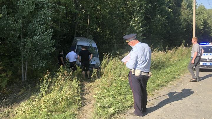 На Старомосковском тракте погиб водитель. Он пошел на обгон там, где это запрещено знаком и разметкой