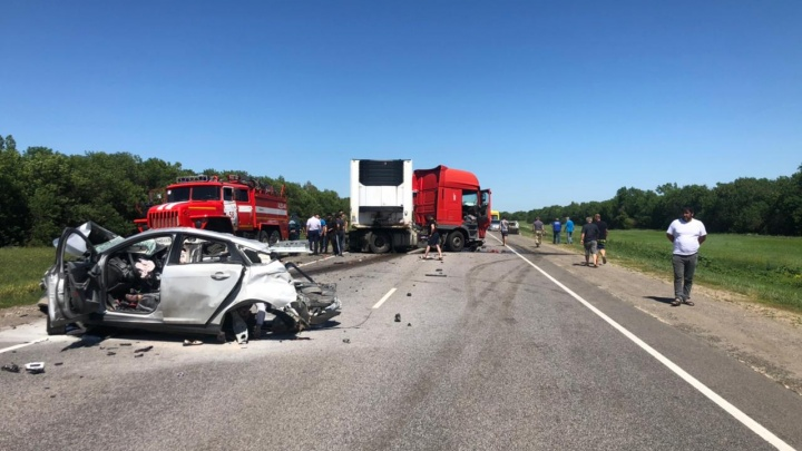 Страшная авария на трассе в Волгоградской области, среди погибших маленький ребенок