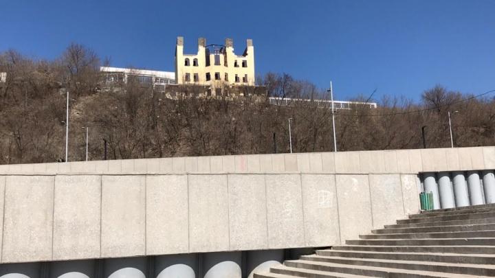 «Мы там сказку сделаем»: во что превратят загадочный замок на набережной. UFA1.RU нашел его владельца
