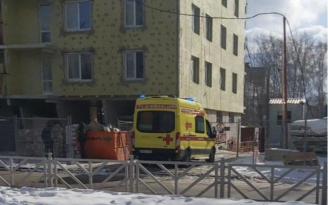 В Екатеринбурге рабочий упал с 18-го этажа строящейся высотки
