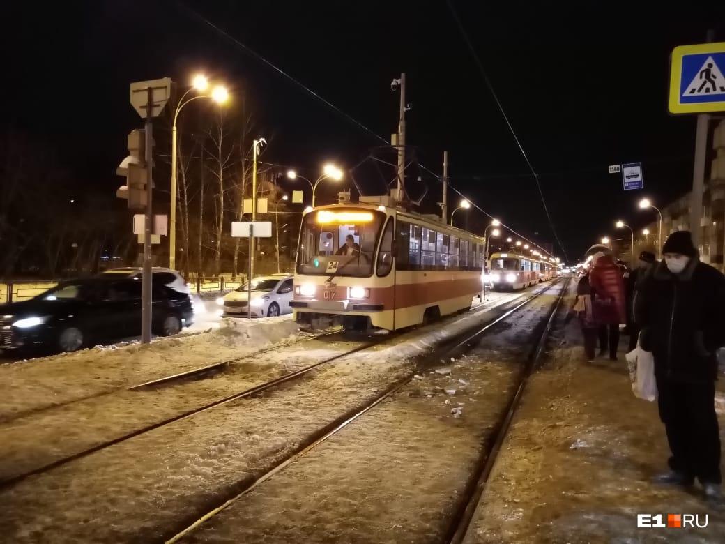 Движение трамваев встало