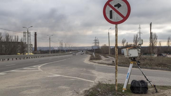 «Их услуги чаще вредят на дороге, чем помогают»: волгоградка возмущена работой частных камер видеофиксации