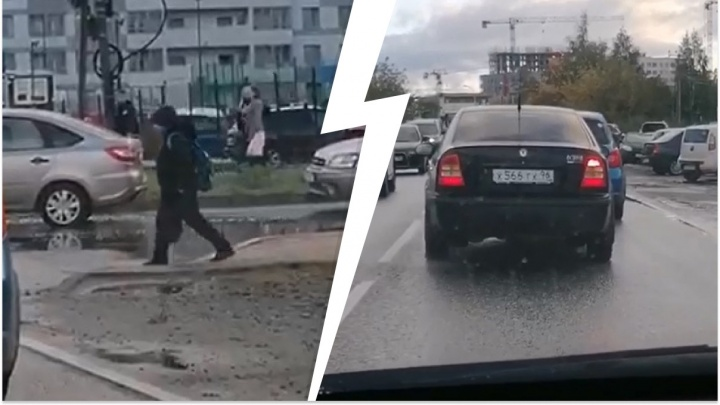 «Один километр едем 40 минут»: на Широкой Речке водители ополчились на проблемный пешеходный переход
