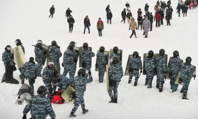 В Екатеринбурге приговорили к реальному сроку участников протестной акции в поддержку Навального