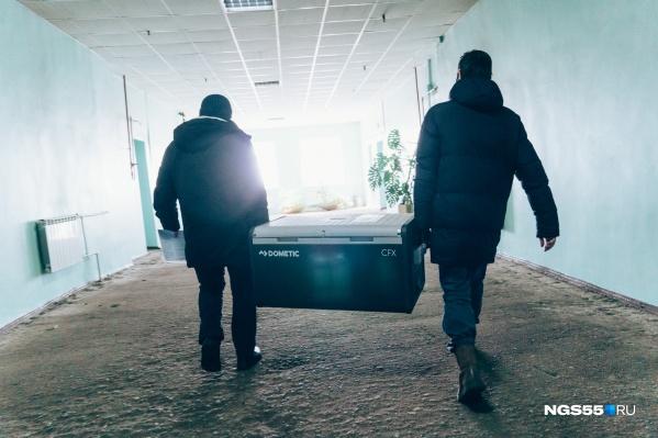 """Обоими компонентами «Спутник V» вакцинировались <nobr class=""""_"""">55 тысяч</nobr> жителей Омской области"""