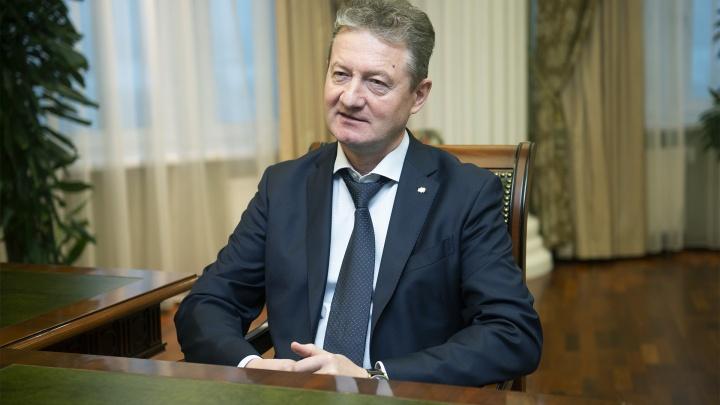 Путин наградил знаком отличия гендиректора УГМК Андрея Козицына