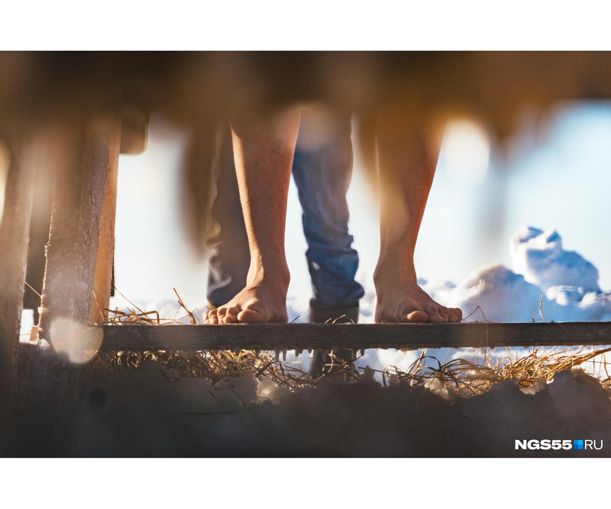 Эти ноги готовы шагнуть в холодную воду