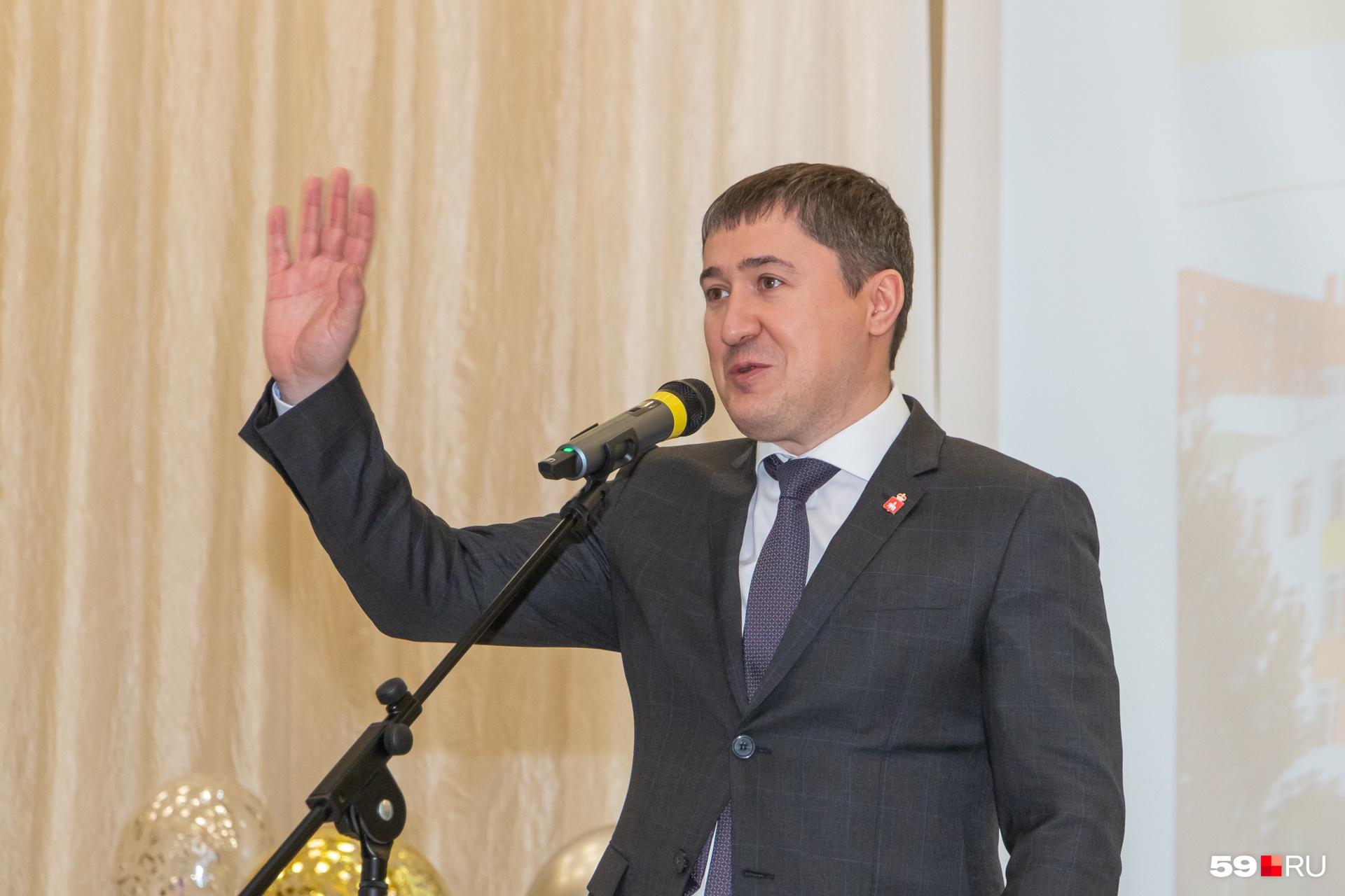 Поздравить школу приехал губернатор Пермского края
