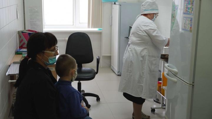 «Детей включат в программу вакцинации»: врач Сургутского района рассказал о разработке центра Гамалеи