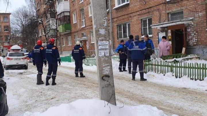 Отравились угарным газом: в Ярославле госпитализировали маму с двумя детьми