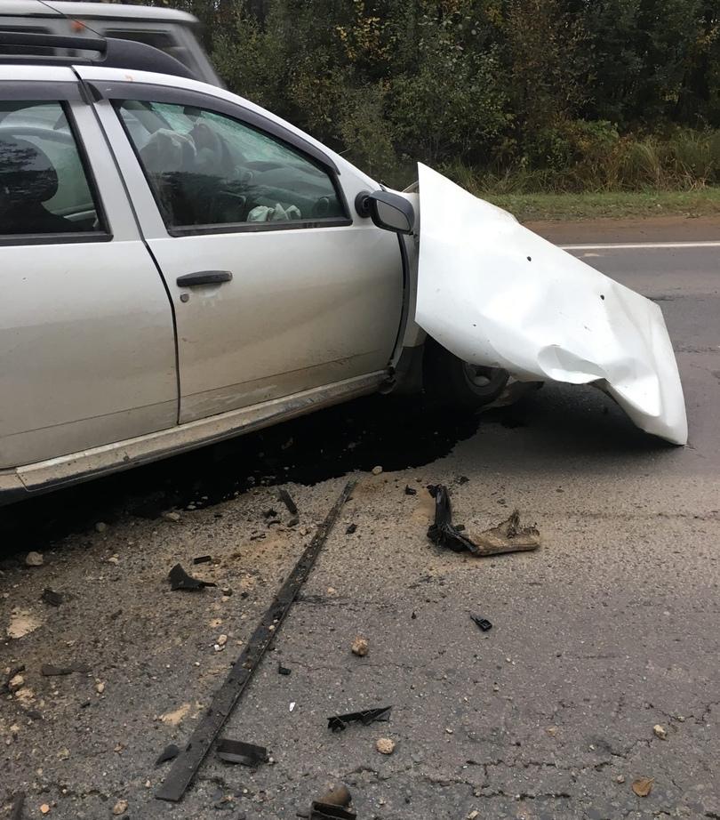В Ленобласти новое ДТП с тремя погибшими. На Нарве после лобового удара резали машины