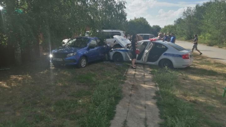 Появилось видео, как машина ДПС протаранила три автомобиля в Нефтегорске