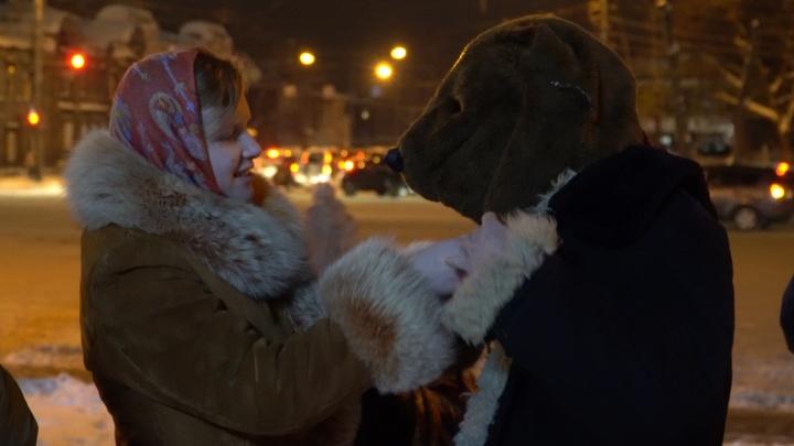 Ожившие старинные обычаи в центре города: как прошли колядки в Нижнем Новгороде