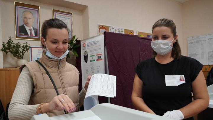 Тольятти голосующий: фоторепортаж с избирательных участков