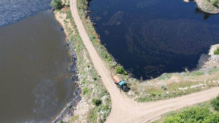 Самарцы: «В озера у поселка Чкалова сливают нефтепродукты»