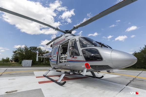 В Волгоград мальчишку доставили санитарным вертолетом