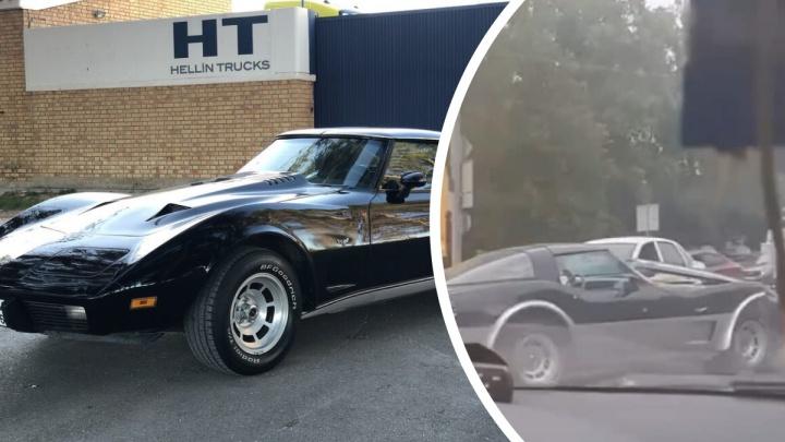 Винтаж вдребезги. В ДТП на проспекте Гагарина разбили Chevrolet Corvette 1970-х годов