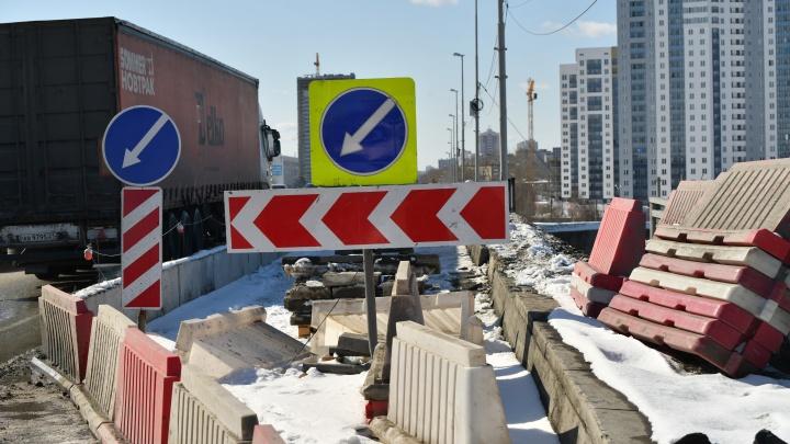 Это будут эпичные пробки: Блюхеровский мост перекроют на четыре месяца
