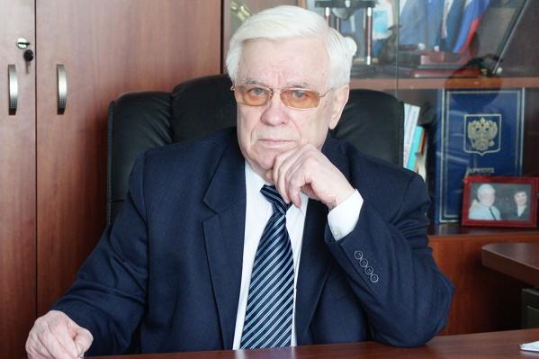 В течение 16 лет Виктор Захаров возглавлял Новосибирскую областную федерацию греко-римской борьбы