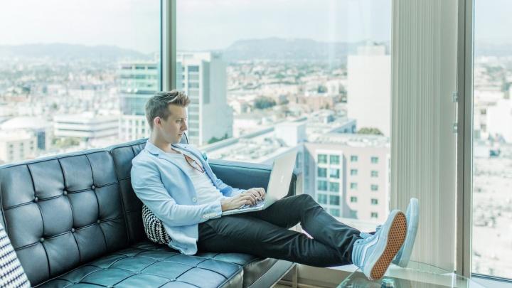 Зарплата от 60 тысяч и быстрый карьерный рост: какие компании в поиске новых сотрудников