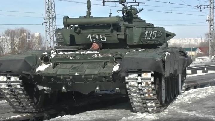 В Самару пригнали тяжелую военную технику для участия в параде Победы