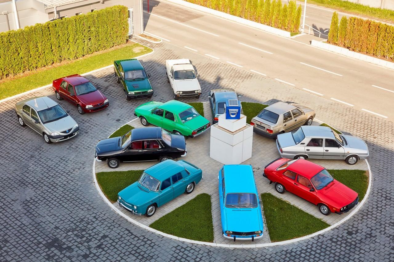 Модели Dacia разных лет: когда-то она была национальным румынским производителем, но потом попала под контроль Renault и добилась успеха на европейском уровне